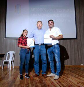 """Entrega de premios a ganadores de la Convocatoria """"Jóvenes"""